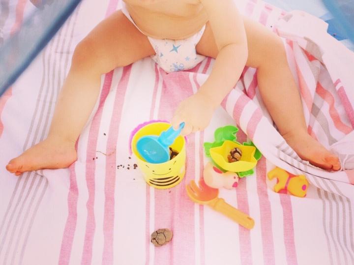 Vacances à la mer avec un bébé : les 5 points d'attention