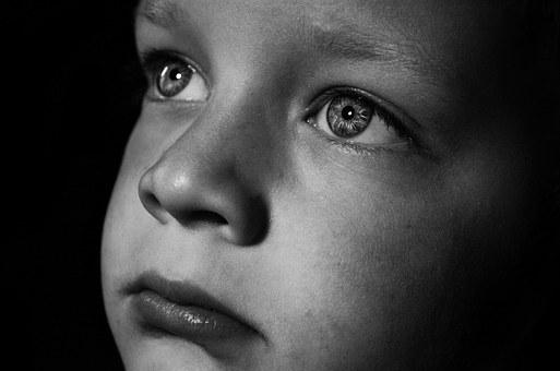 Laisser pleurer bébé : les effets des méthodes de dressage du sommeil sur nosenfants
