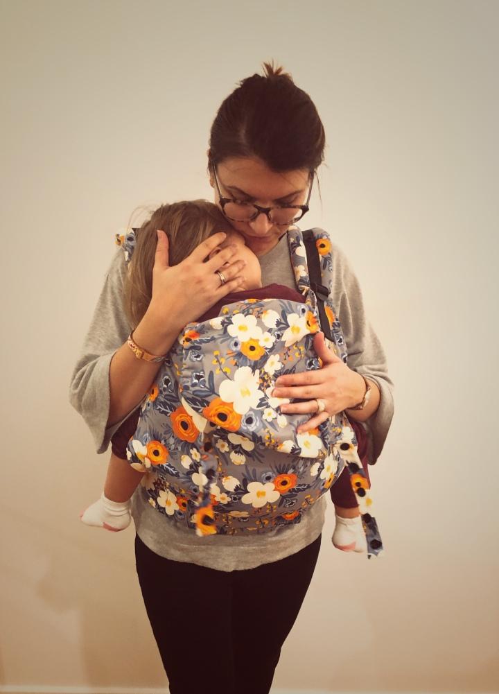 Pourquoi et comment porter son enfant?