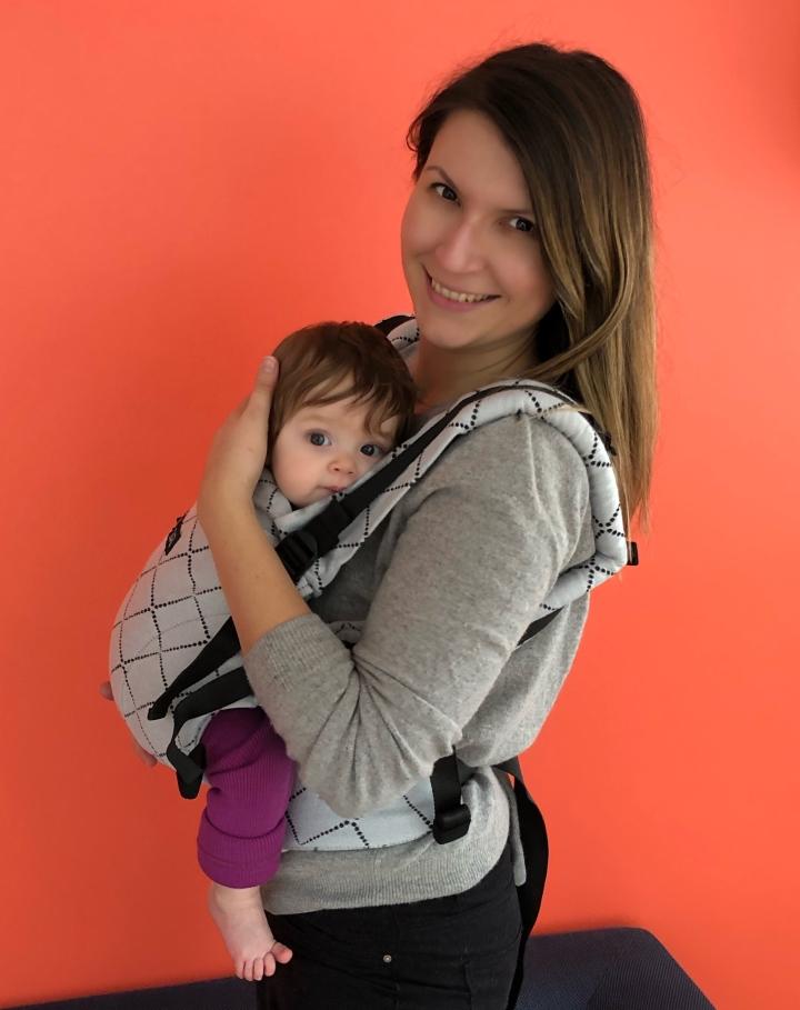 Test et avis sur le porte-bébé évolutif Isara TheOne